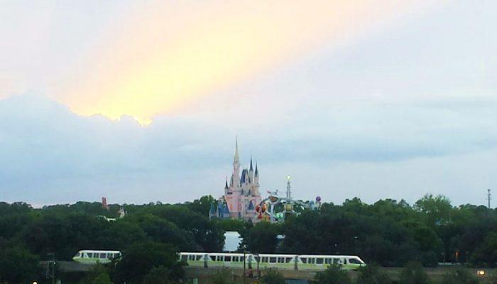 Disney Dining Tips & Delicious Treats For Magic Kingdom Park