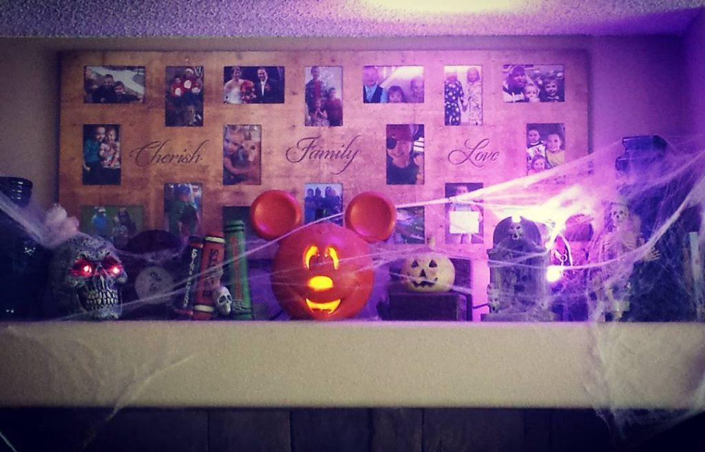 Spooky mantle complete! Halloween decor hiddenmickey halloweendecorations decorations