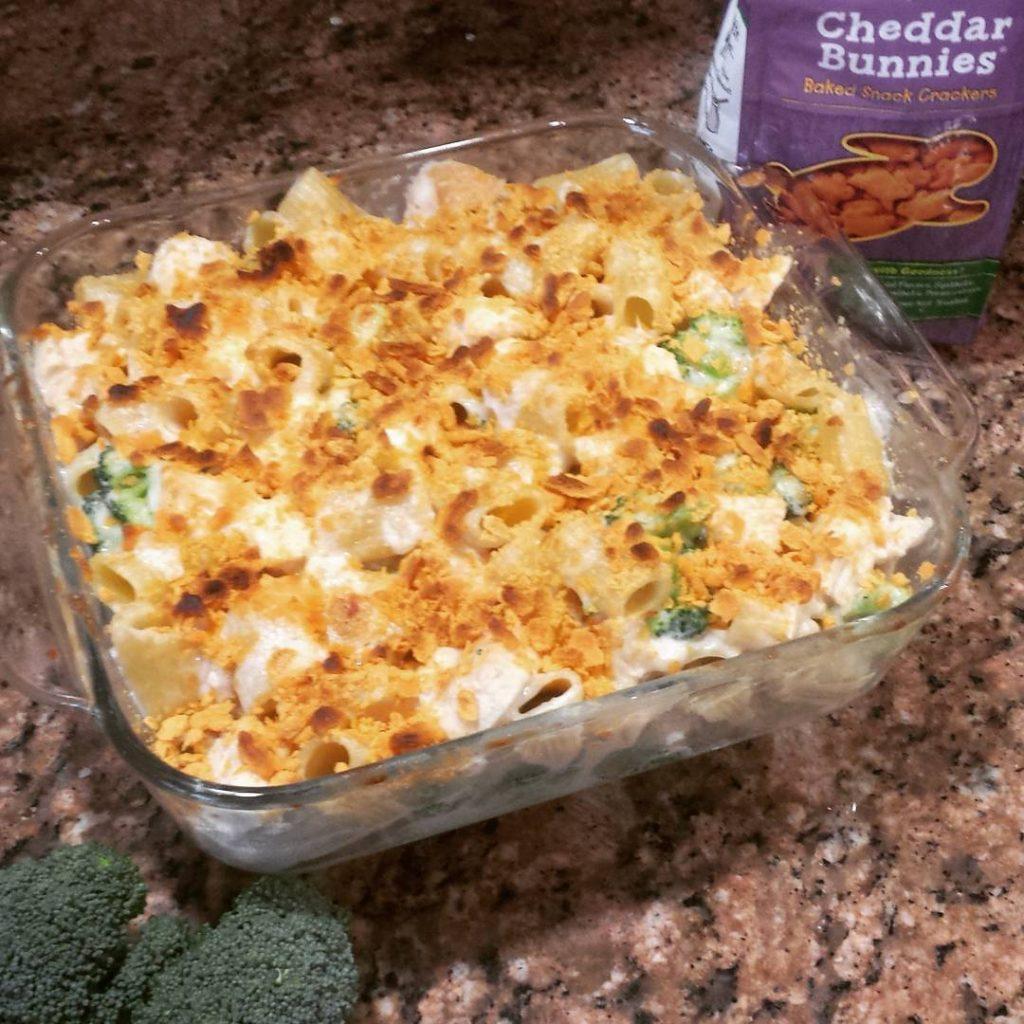 New ontheblog creamy Chicken Alfredo Mac amp Cheese with ahellip